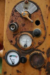 Minneaspolis Moline U gauges