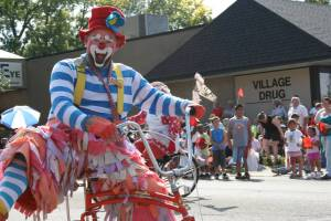This member of the Saint Paul Clown Club shows off for my camera.