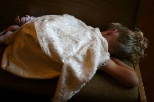 And then, half way through the photo shoot, the sleeping Keira turned. Her dress was made from her Great Grandma Betty's wedding gown.
