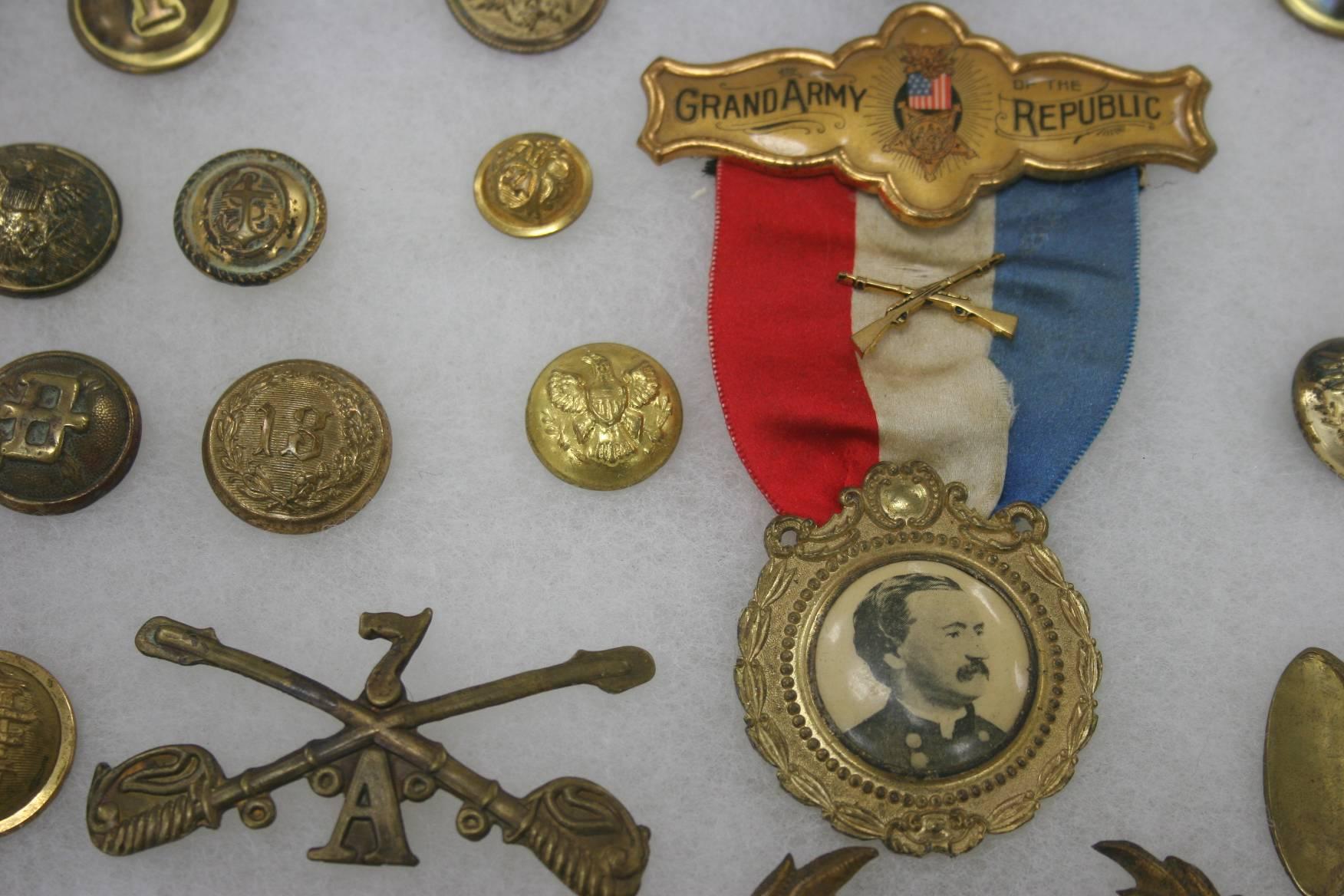 Civil War Uniform Buttons 34