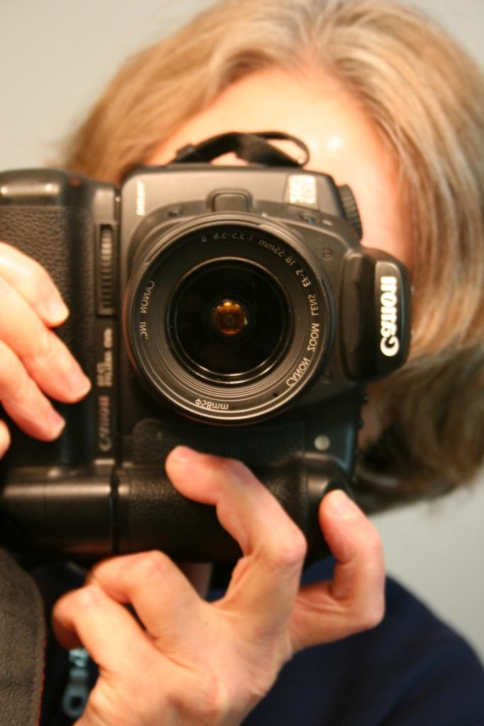 My trusty fifth eye, my Canon EOS 20D.