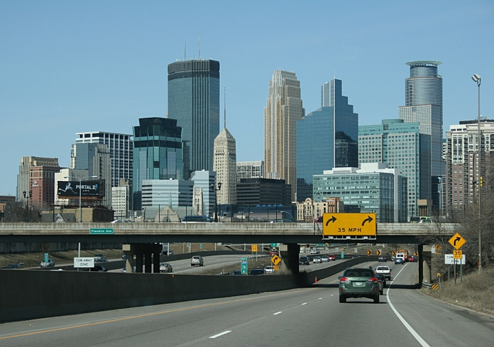 A view of the Minneapolis skyline from Interstate 35 on a light traffic day. Minnesota Prairie Roots file photo.