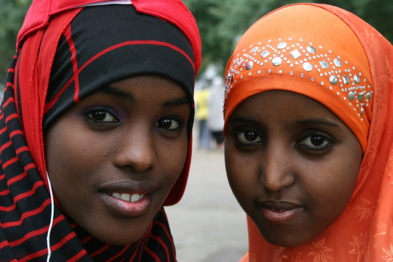 Faribault High School seniors Shukri Aden, left, and Khadra Muhumed.