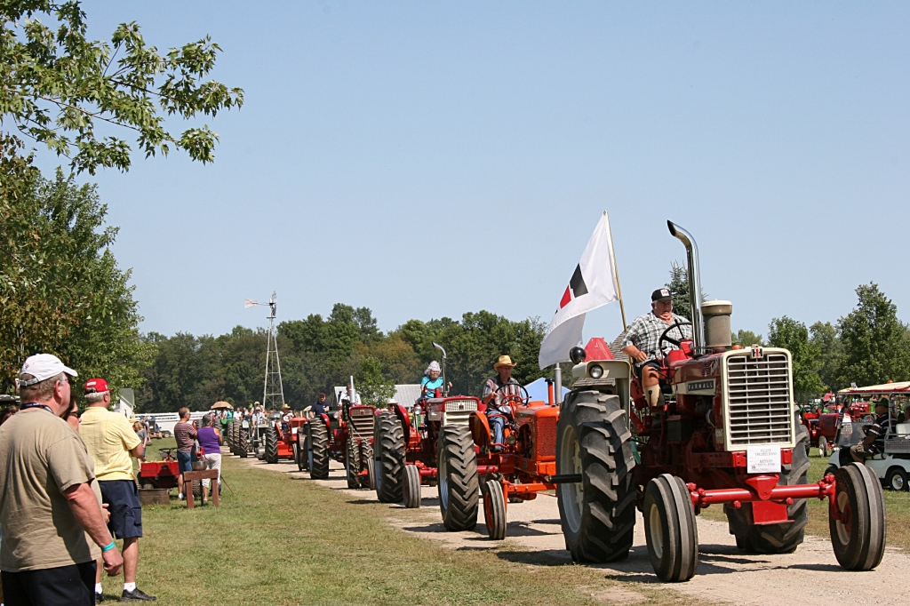 tractor essay Have you heard about our great neighbor essay contest every stop on our  2018 fair tour will feature winning essay writers from 4-h and national ffa.