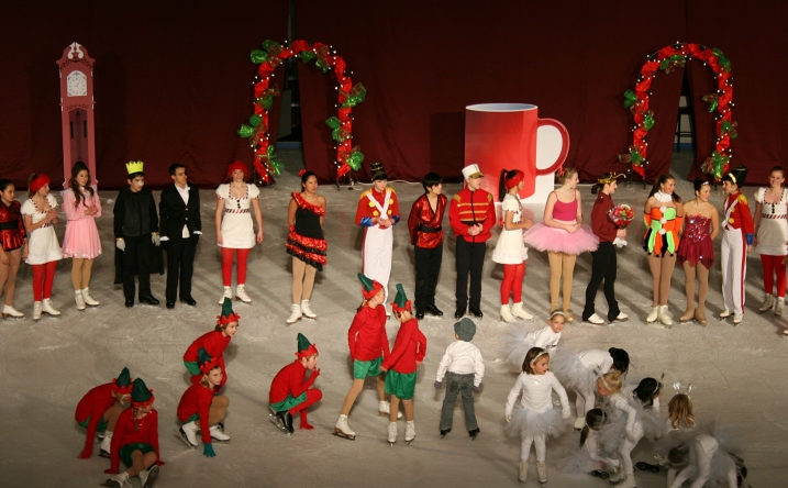 The cast, with the little Snowflakes on the right as audience favorites.
