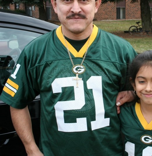 Father and daughter Green Bay Packers fans from Appleton. Minnesota Prairie Roots file photo.