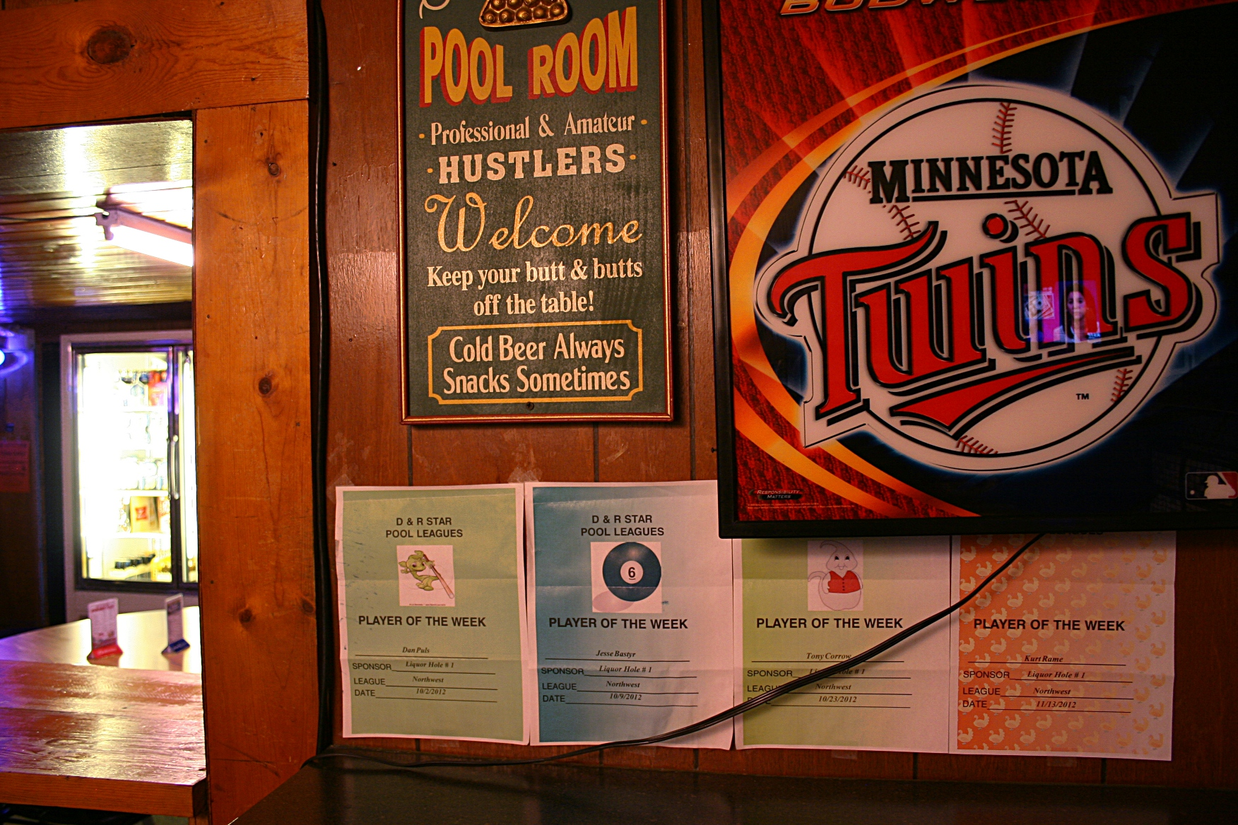 Be sure to follow the bar's pool rules.
