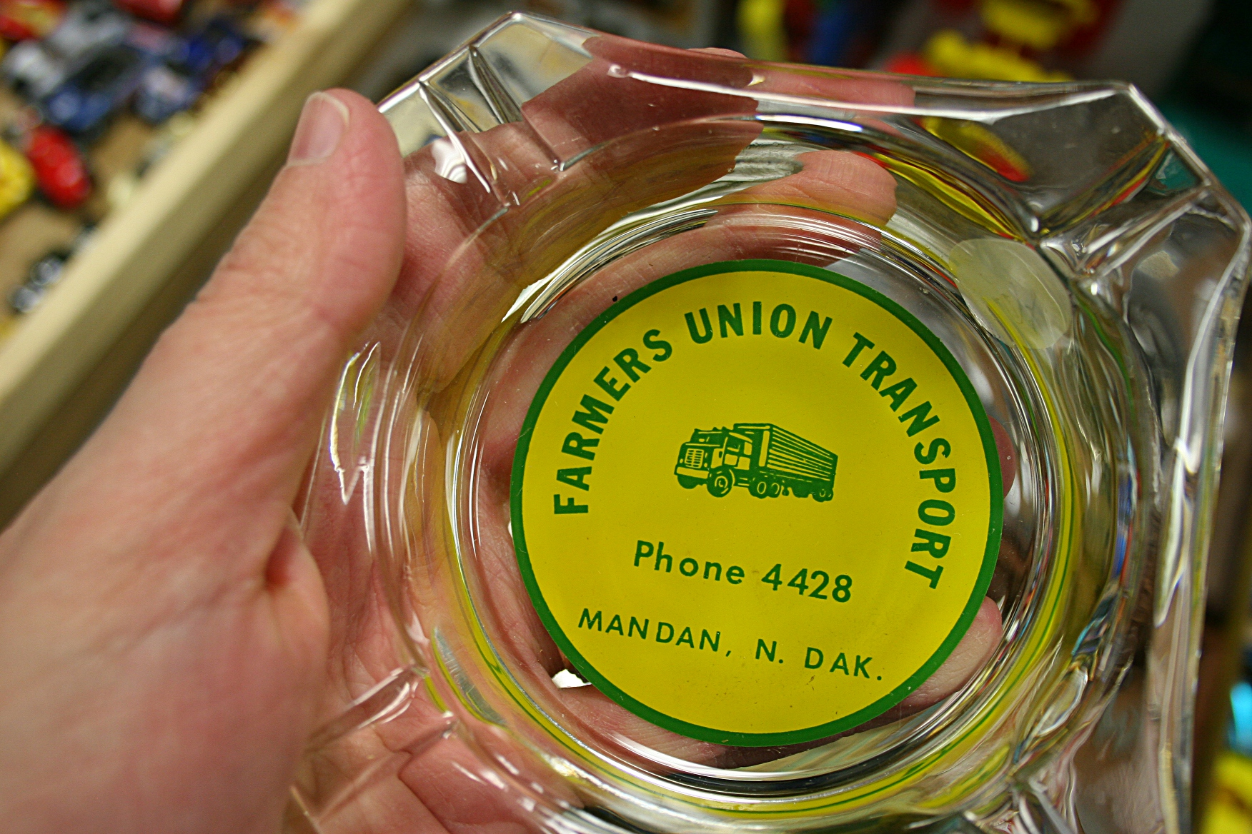 I don't smoke and don't like smoking. But I sure do I like vintage ash trays like this one from my husband's birthplace.