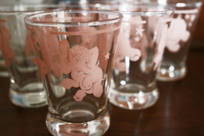 The whimsical design of these elephant glasses (shot glasses/juice glasses?) caught my fancy at Diamonds in the RUST.