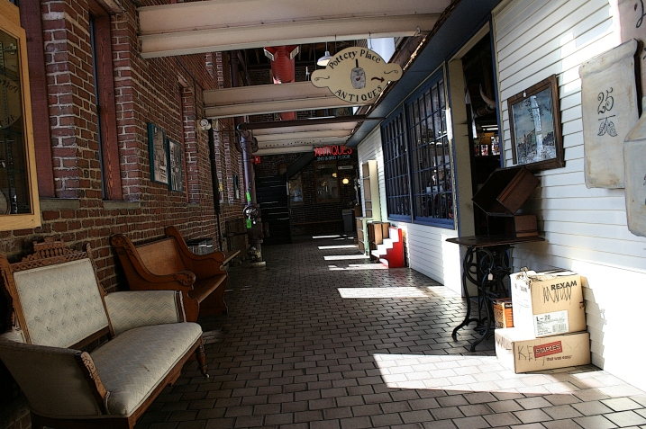 A hallway inside Pottery Place.