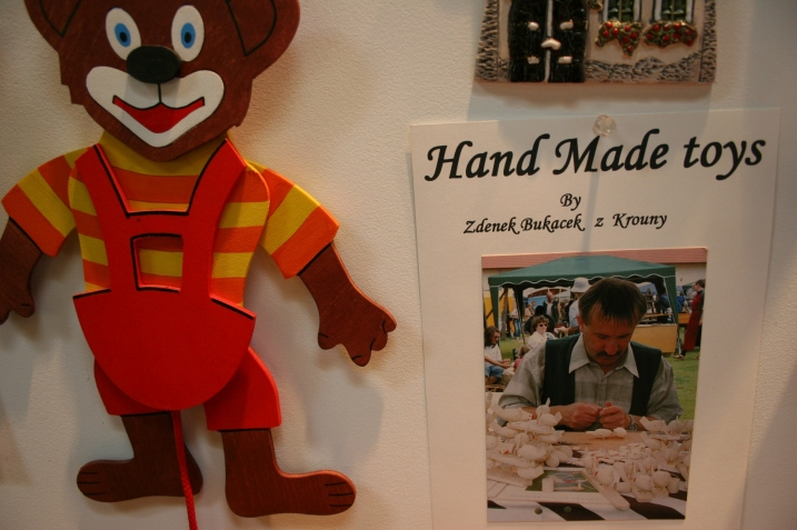 Handcrafted toys and information about the craftsman from the Czech Republic.