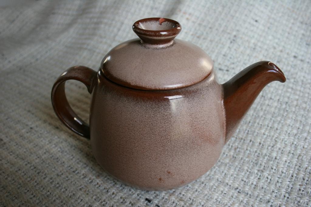 The Frankoma teapot I purchased.