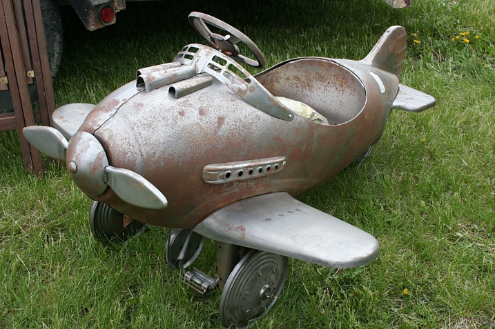 A 1940s vintage plane priced at $1,200.