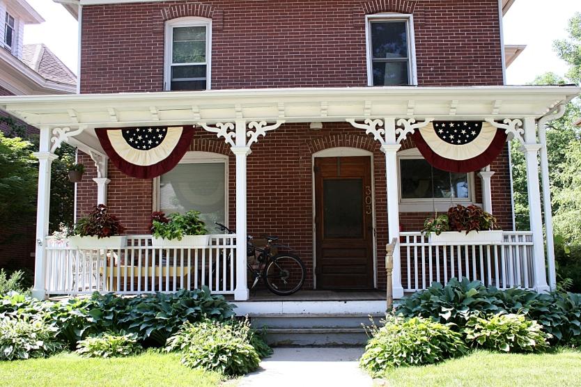Flags, Decorah house