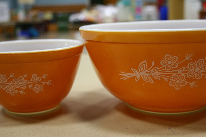 And two more beautiful Pyrex bowls.