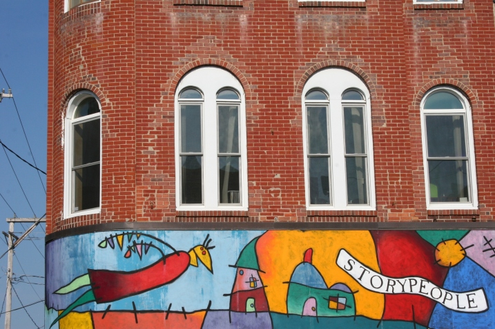 The Vibrant mural on one of Storypeople's buildings.