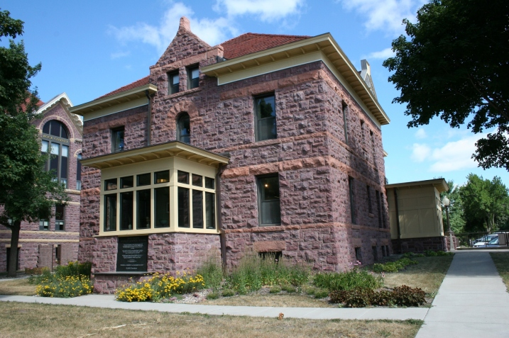 The 1900 former Rock County Jail and sheriff's home today is the Rock County Veterans Memorial Building. It houses the Herreid Military Museum, the Brandenburg Gallery and the Luverne Chamber of Commerce.