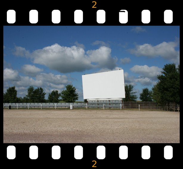 Verne Drive-in, screen w filmstrip