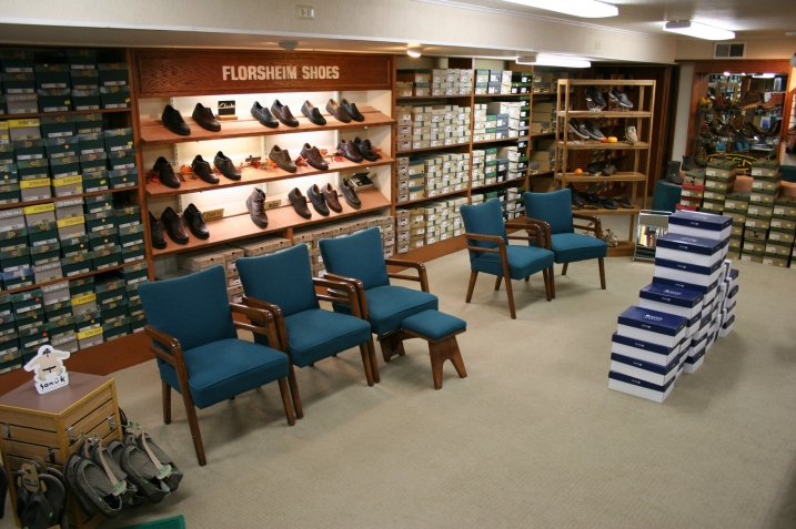 I found the look of an old-fashioned shoe store in the basment, complete with vintage chairs.