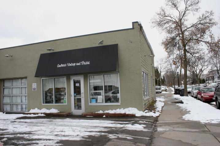 Andrea s vintage bridal minnesota prairie roots for Wedding dress shops in minneapolis mn