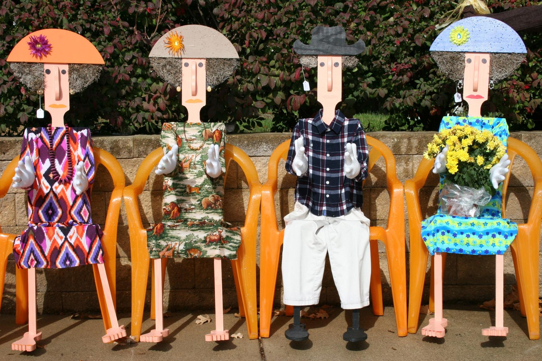 Crafts galore a bonus scarecrow contest minnesota for Crafts to make for sale