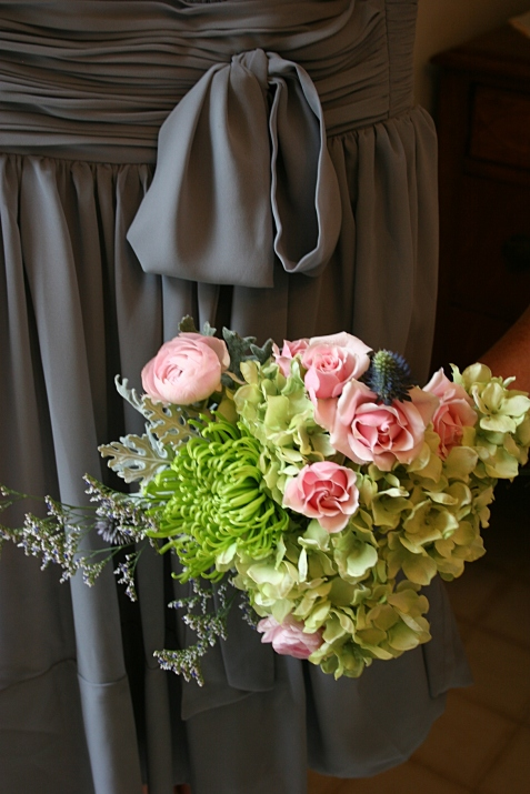 Ideas for bridesmaids' bouquets.