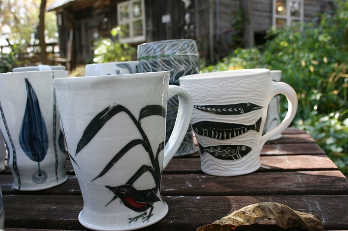 Love these nature-themed mugs.