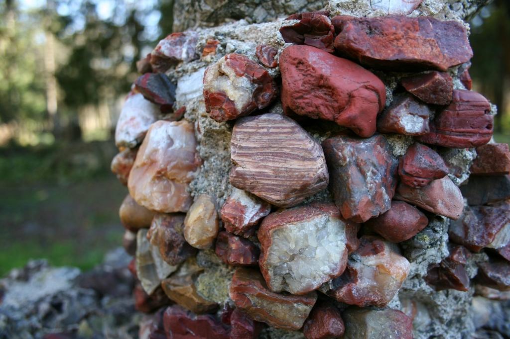 Sculpture, stones close-up 1