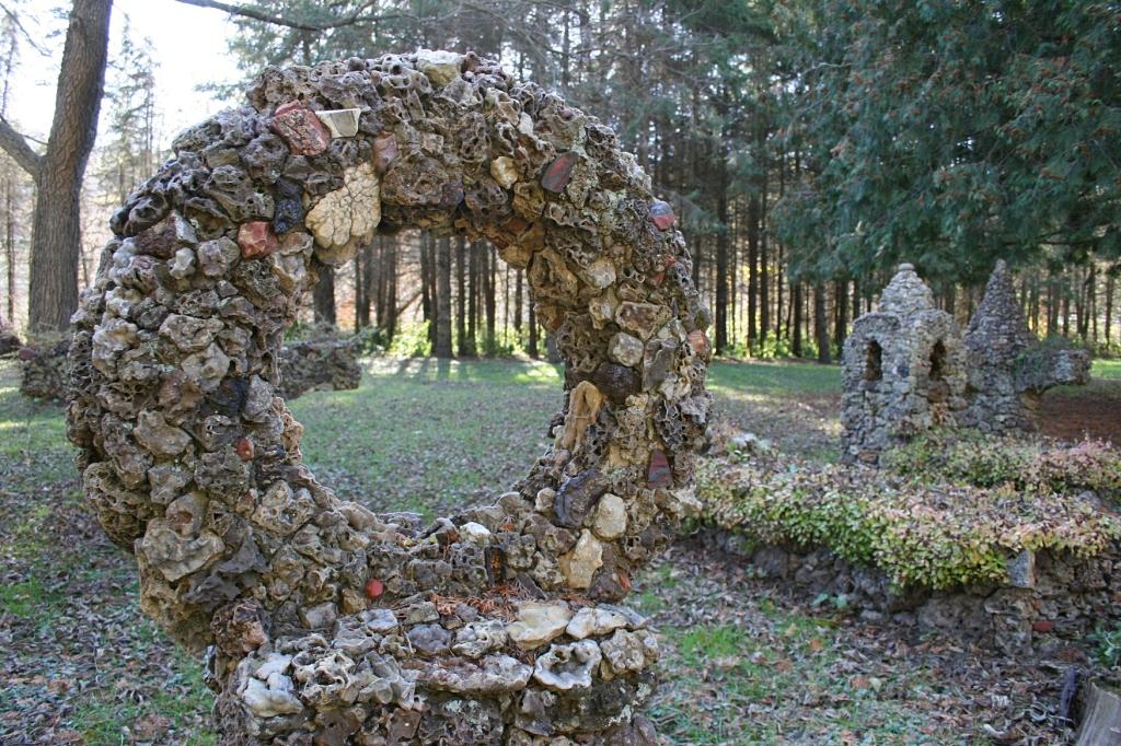 Sculpture, wreath