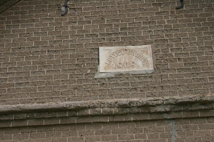 Those 1868 cement blocks, up close.