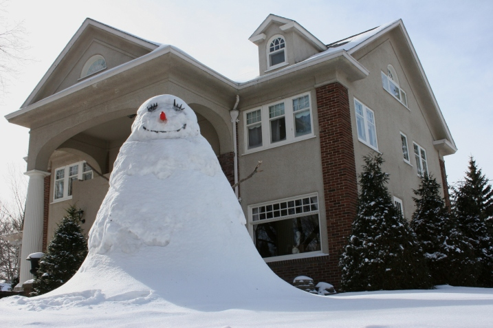 Snowman, looking up at