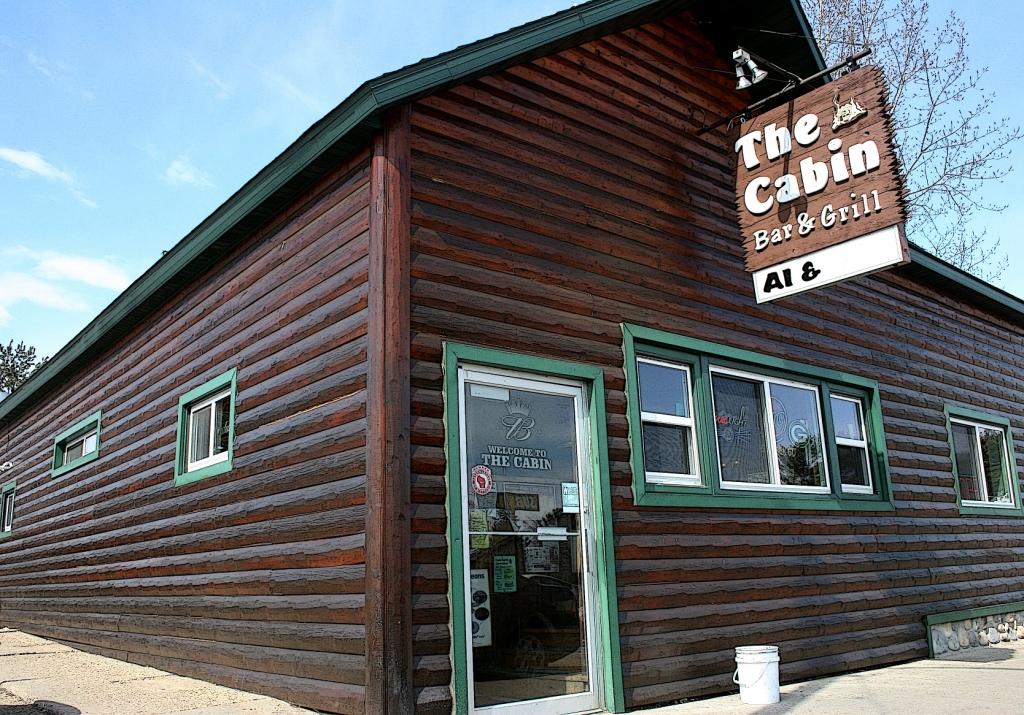 Cabin Bar and Grill, Coloma
