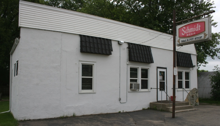 The rather non-descript R & L's Pit Stop photographed in Hope in 2011.