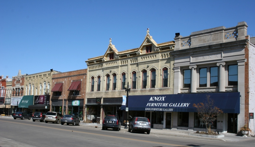 A section of Wisconsin Avenue in downtown Neenah, Wisconsin.