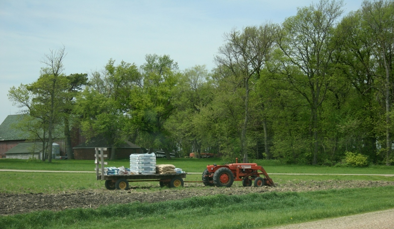 Field work, bags on wagon, west of new Ulm