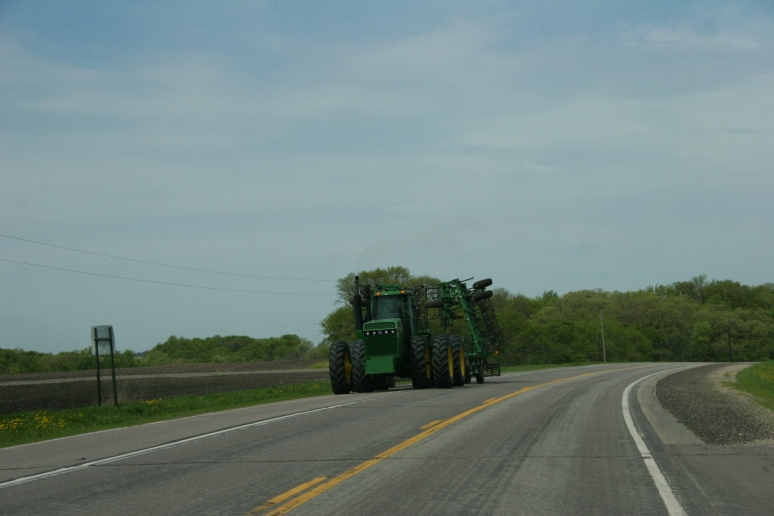 Field work, John Deere on curve west of New Ulm