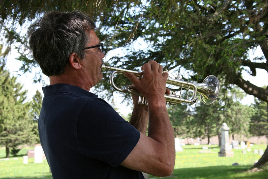 "Steve Bonde ends the program by playing ""Revelry."""