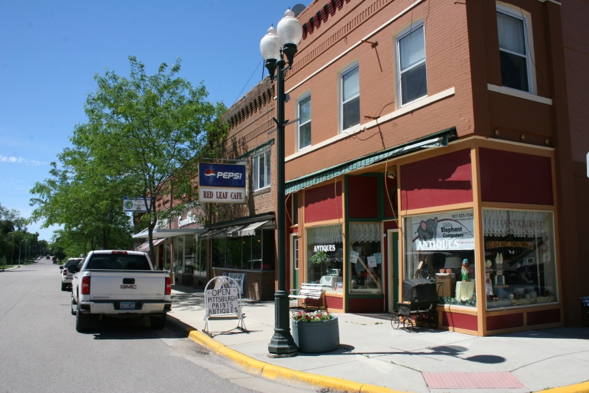 Dad's Good Stuff is located on a street corner in downtown New Richland, Minnesota, south of Waseca.