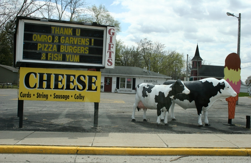 Wisconsin signs, cheese in Omro