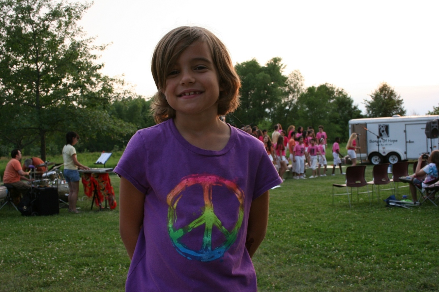 Nevaeh, the daughter of friends, wore the perfect shirt for the concert.