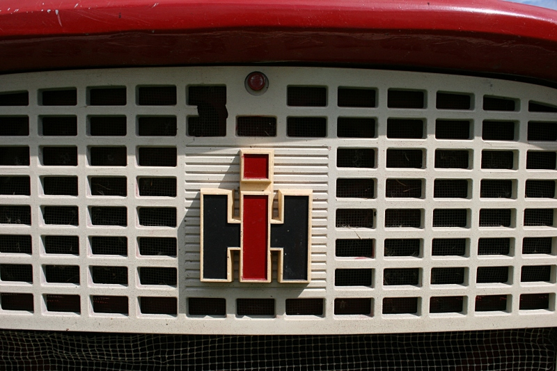 Art, IH emblem and grill