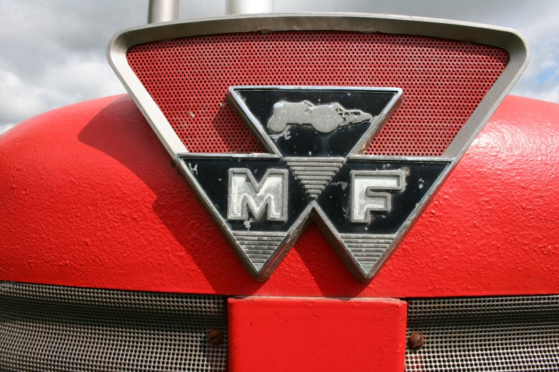 Art, Massey F emblem