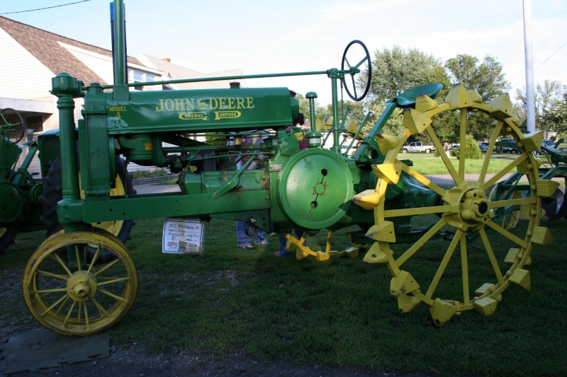 The oldest tractor, a 1937 John Deere A, at Lakeview.