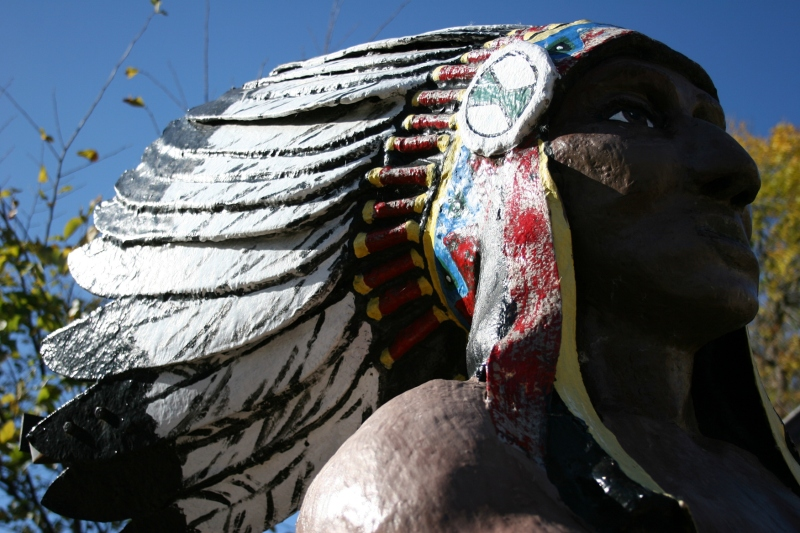 A close-up of the Chief Osceola statue, a beautiful piece of art.