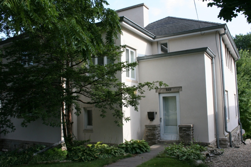 The E.V. Franke House at 507 East State Street, designed by Francis Barry Byrne in 1917.