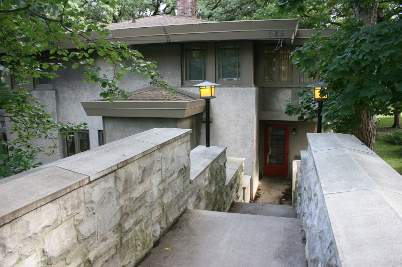 A view of the 1915 Sam Schneider House at 525 E. State Street and designed by Walter Burley Griffin.