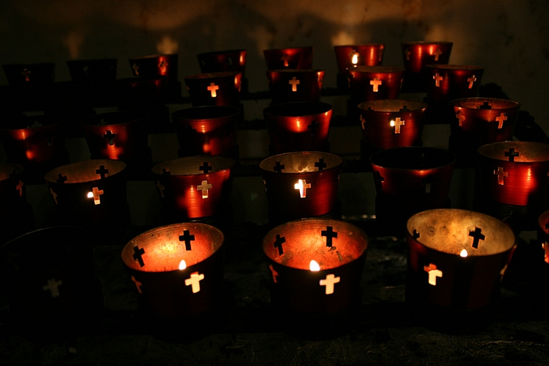 Candles at the Saint Paul Cathedral, St. Paul, MN. Minnesota Prairie Roots file photo.