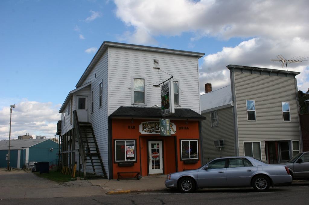 Jaspers Eastender Bar & Grill.