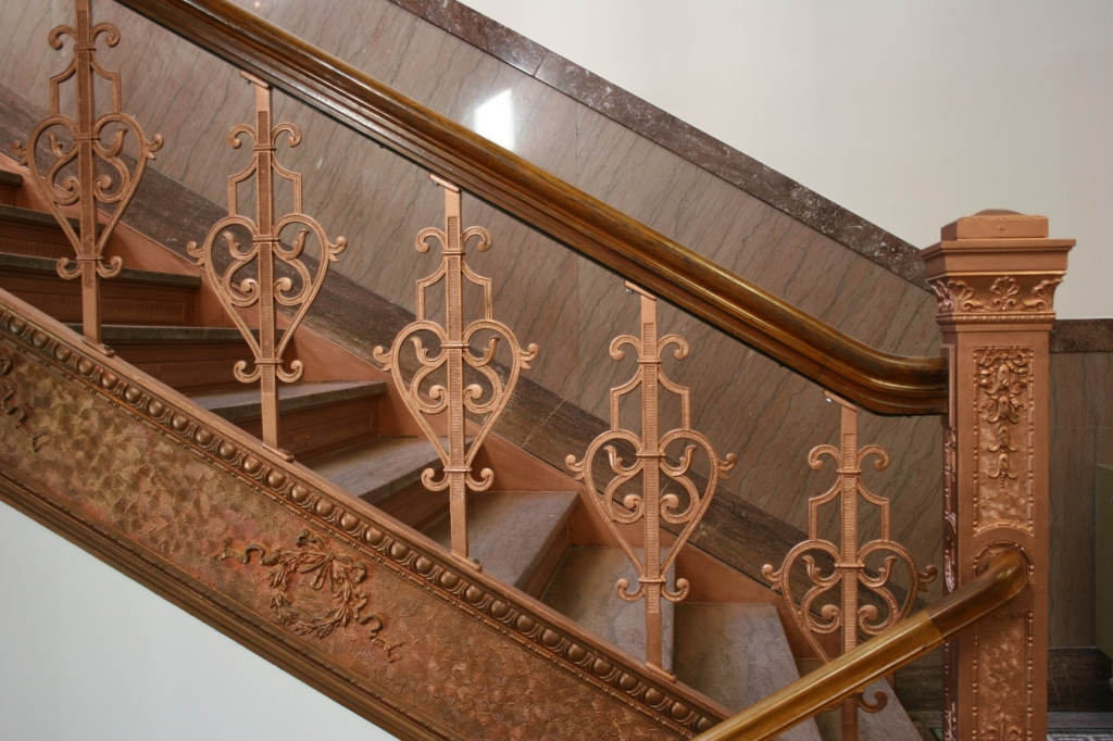 Beautiful railings, although my husband questioned whether this was meant to be the color.