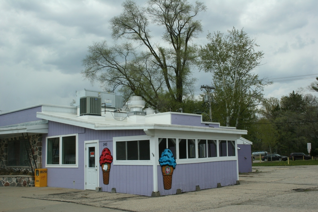 How the building looked as an ice cream shop. Minnesota Prairie Roots file photo, May 2014.